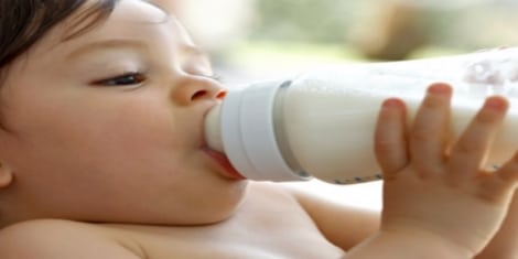 مراحل نمو الطفل عدد الرضعات